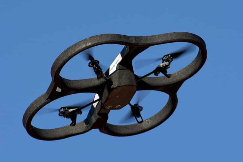 Parrot_AR.Drone_2.0 in flight